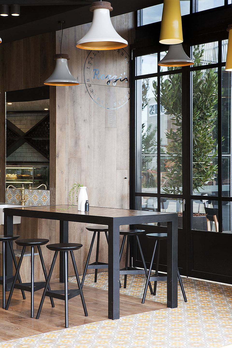 Rozzi's Italian Canteen by Mim Design – Photography by Shannon McGrath  (5)
