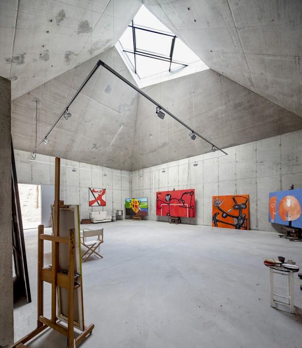 Barcelona Artists Studio by Garcés – De Seta – Bonet 2 600x690 Barcelona Artist Studio: a Concrete Cavern of Creativity