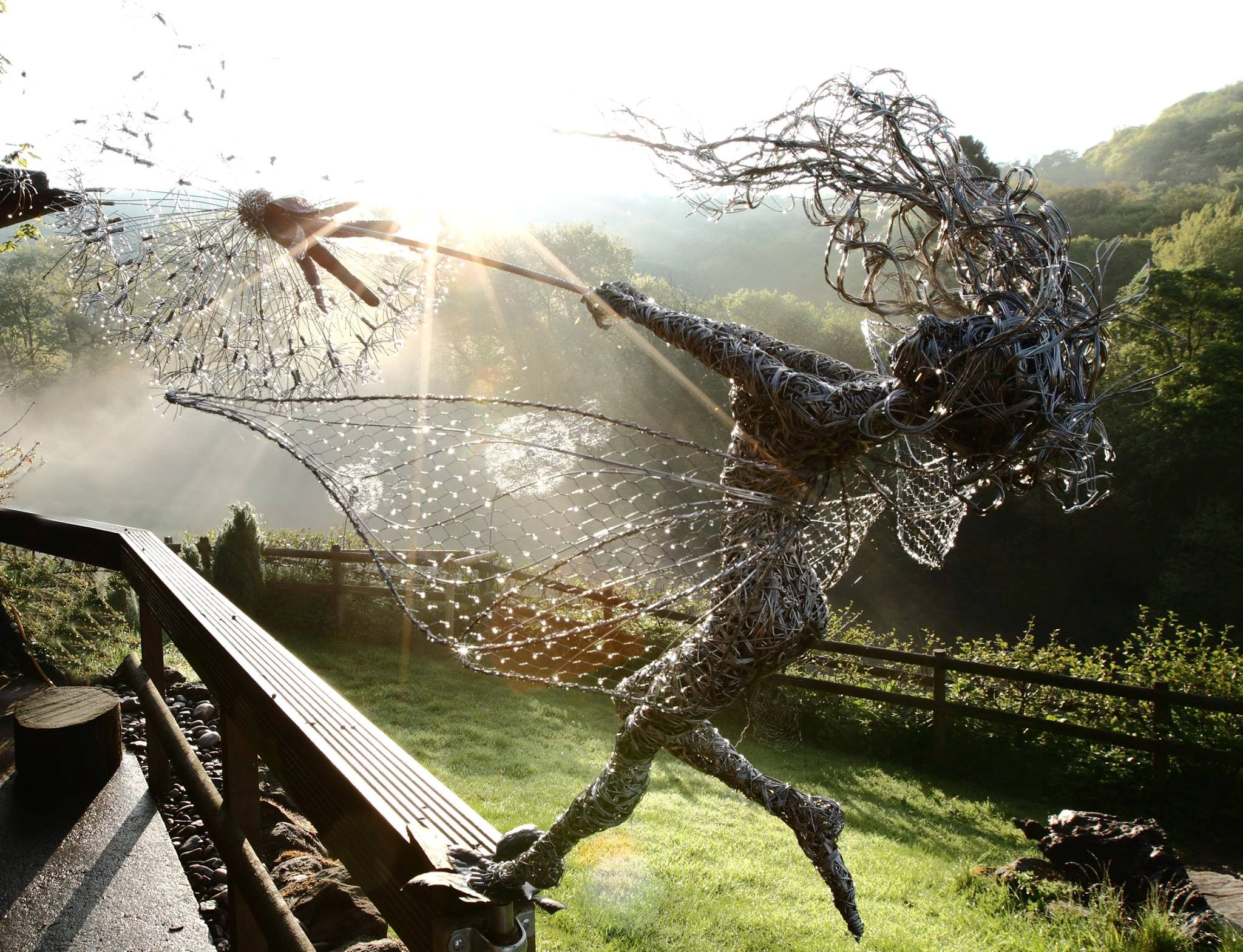 '1 O'clock Wish' by Robin Wight – wire sculpture