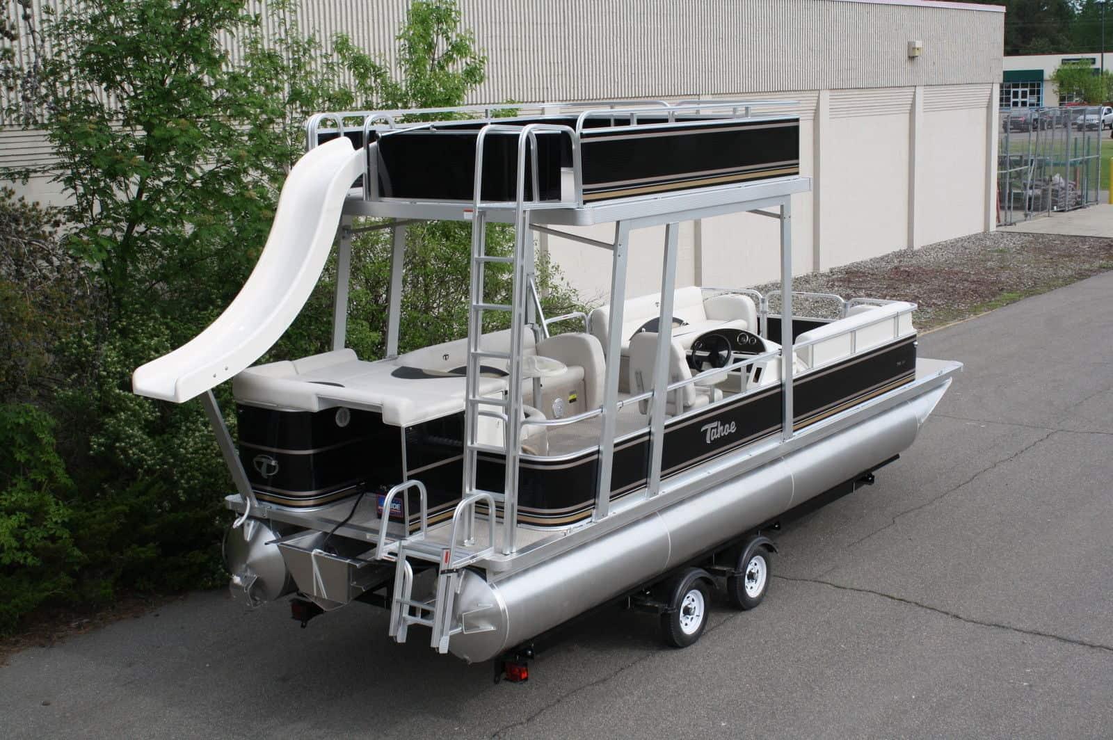 Tahoe Vista Funship – pontoon boat