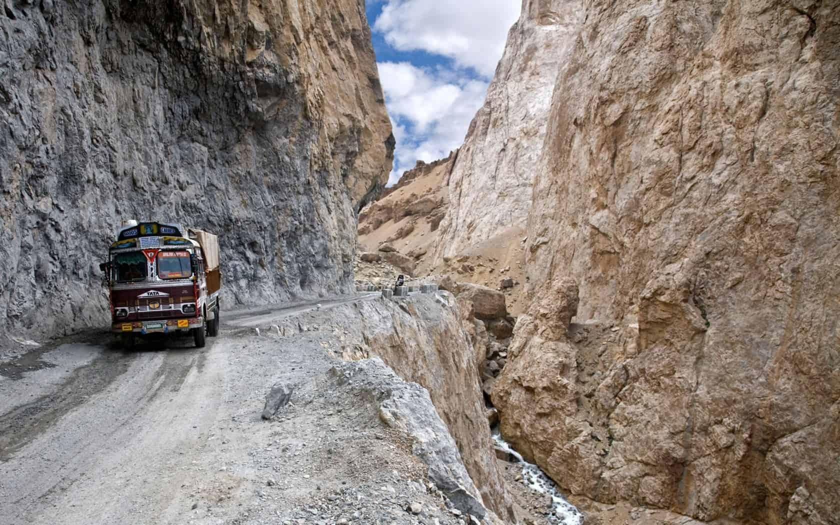 Leh – Manali Highway, Himalayas, India – road to drive